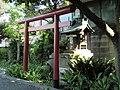 Inari Shrine (稲荷神社) - panoramio (4).jpg