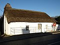Interesting thatched roof cottage - geograph.org.uk - 1111676.jpg