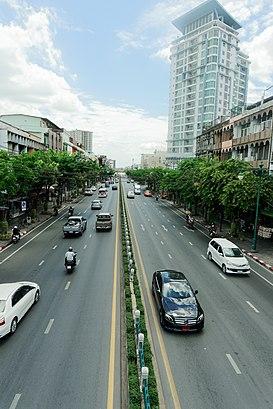 วิธีการเดินทางไปที่ ถนนอินทรพิทักษ์ โดยระบบขนส่งสาธารณะ – เกี่ยวกับสถานที่