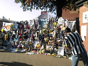 Jimmy Sirrel - Tributes paid by Notts County supporters at Meadow Lane to Sirrel after he died in 2008.