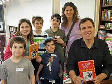 Jeff kinney author wikipedia jeff kinney and his family members solutioingenieria Choice Image