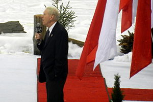 Jim Robson - Robson speaking before the 2014 Heritage Classic