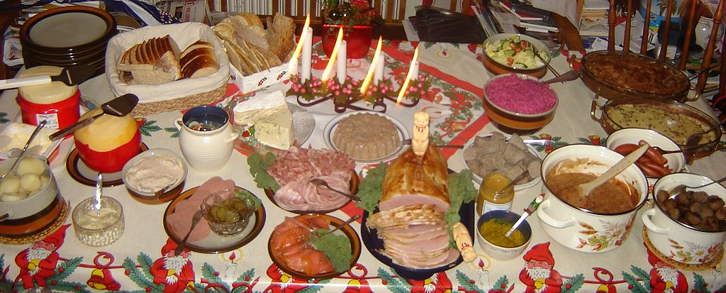 What are the traditional christmas meals like in your family a picture julbord swedish christmas table some traditional dishes forumfinder Image collections