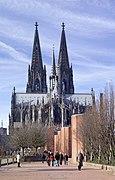 Kölner Dom Ostseite.jpg