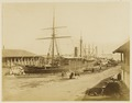 KITLV - 29164 - The steamship Brisbane in dry dock in Singapore - 1860.tif