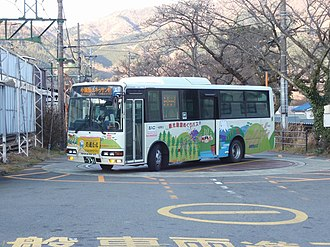 Car turntable - Bus using a turntable in Japan in 2010