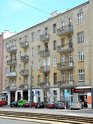 """Group 13 - Townhouse at 93 """"Solidarność"""" Avenue (formerly 13 Leszno Street) in Warsaw, in 1940–1941 the seat of Trzynastka"""