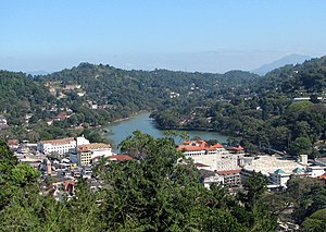 Kandy lake.jpg