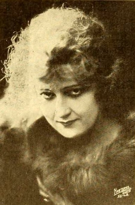 Kathryn Adams - Feb 1919 MPW.jpg