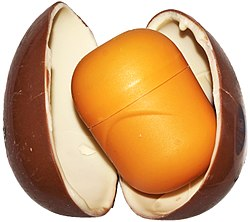 Kinder egg open.jpg