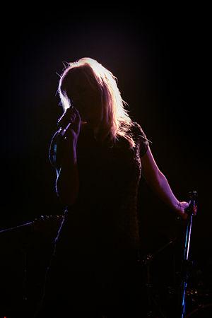 Kish Mauve - Kish Mauve's Mima Stilwell performing in London, 2006