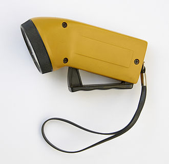 Mechanically powered flashlight - Modern dyno torch