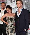 Kristen Stewart, Chris Hemsworth 2012.jpg