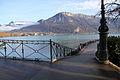 Lac d'Annecy et pont des Amours.JPG