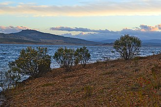 Eucumbene Dam - Image: Lake Eucumber Apr 2012