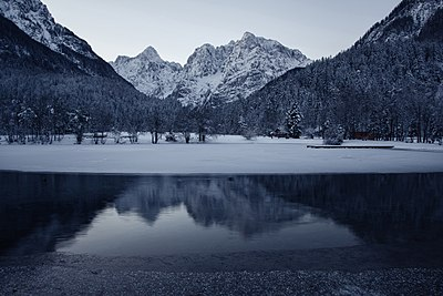 Slika:Lake Jasna in winter.jpg