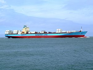 Laust Maersk p08 approaching Port of Rotterdam, Holland 14-Jul-2007.jpg