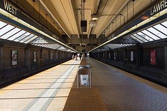 Lawrence West station - Image: Lawrence West Platform 02