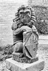 leeuw op voetstuk - buren - 20045228 - rce