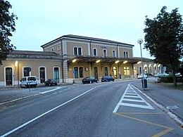 Ufficio Lavoro Legnago : Stazione di legnago wikipedia