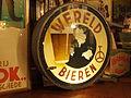Lichtbak Wereld Bieren van Bierbrouwerij De Wereld, Raamsdonk, foto 3.JPG