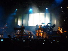 Linkin Park at the Maquinaria Festival 2010 (2).jpg