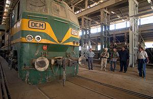Iraqi Republic Railways - Image: Locomotive in downtown Baghdad, Iraq
