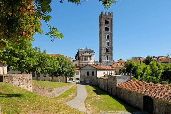 Lucca 02
