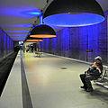 München U-Bahn-Station Westfriedhof - Leuchten Ingo Maurer Team-1.JPG