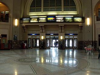 Union Station (Winnipeg) - Main St entrance as seen from rotunda