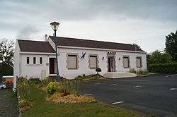 Mairie de Chauché (Éduarel, 17 mai 2017).jpg