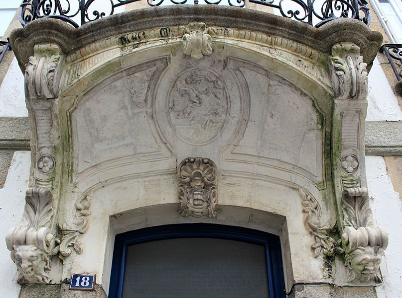 Maison classé monument historique du 18 rue Jules Legrand à Lorient. Balcon.