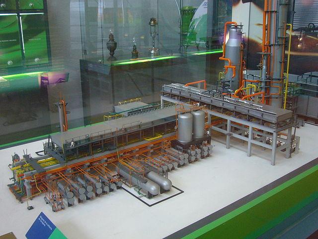 archivo maqueta de la refineria de tarragona   mnactec jpg
