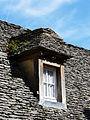 Marcillac-Saint-Quentin (Marcillac) lucarne lauzes.JPG