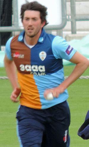 Mark Footitt - Footitt bowling for Derbyshire in 2014