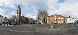 Marktplatz Heißen Kirche 2014.jpg