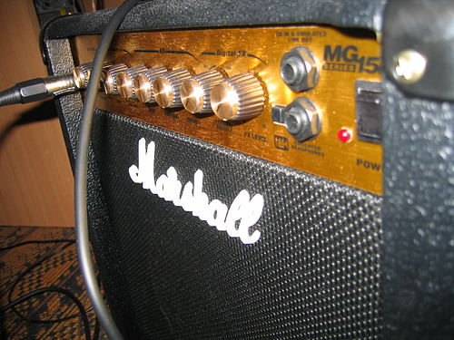 Marshall MG15DFX guitar amplifier.jpg
