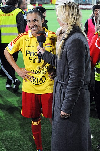 Marta (footballer) - Marta interviewed by Anna Brolin of TV4 in 2013