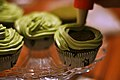 Matcha-cupcakes (6453300119).jpg