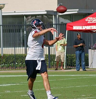 Quarterback Kerry Collins Runs Shoe