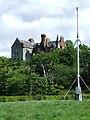Measured Mile marker and Skelmorlie Castle - geograph.org.uk - 441601.jpg