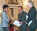 Menem recibe cartas credenciales de Ruby Evadne Coye.jpg