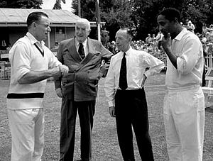 Prime Minister's XI - From left to right: Ray Lindwall, Australian Prime Minister Robert Menzies, Lindsay Hassett and Frank Worrell.