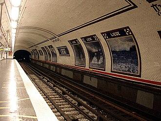 Liège (Paris Métro) - Image: Metro de Paris Ligne 13 station Liege 03