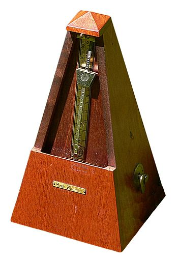 English: spring driven pendulum metronome Ital...