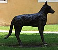 Millstatt - Hundeskulptur.jpg