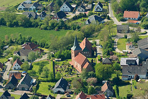 Misselwarden - Aerial view with St. Catherine's Church, 2012