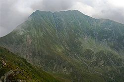 Moldoveanu and Vistea Mare from the west.jpg