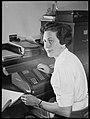 Molly Dive, woman scientist at CSIRO, 21 August 1950.jpg