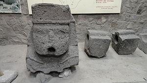 Wari culture - Image: Monolito Wari Ayacucho, Peru
